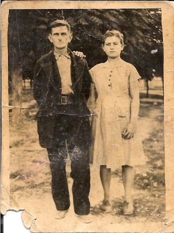 Γκόγκος Νικόλαος (Νικολαϊδης) - Γκουτζουρέλα Ελισσάβετ (κόρη) Φωτογραφία στην Κατερίνη