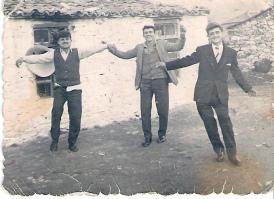 Γλέντι με το γραμμόφωνο -Τσακνάκης Αθ., Τσακνάκης Γεώργ., Σουγλής Απ