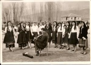 Εκδήλωση στην πλατεία με τον Λίτσιο στο βιολί